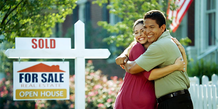 sold-sign-couple